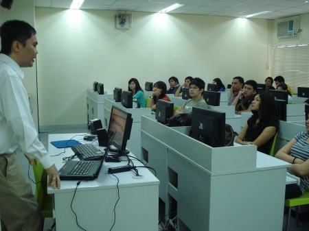 Julius and the DLSU students during the web accessibility workshop