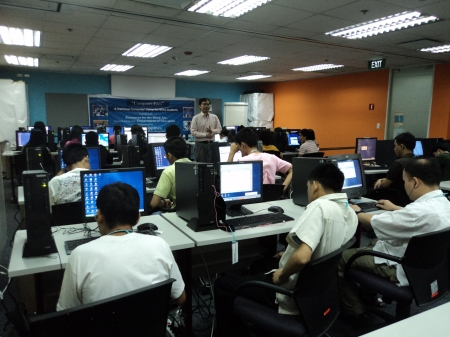 Julius discussing with the students during the Computer-Eyes Training